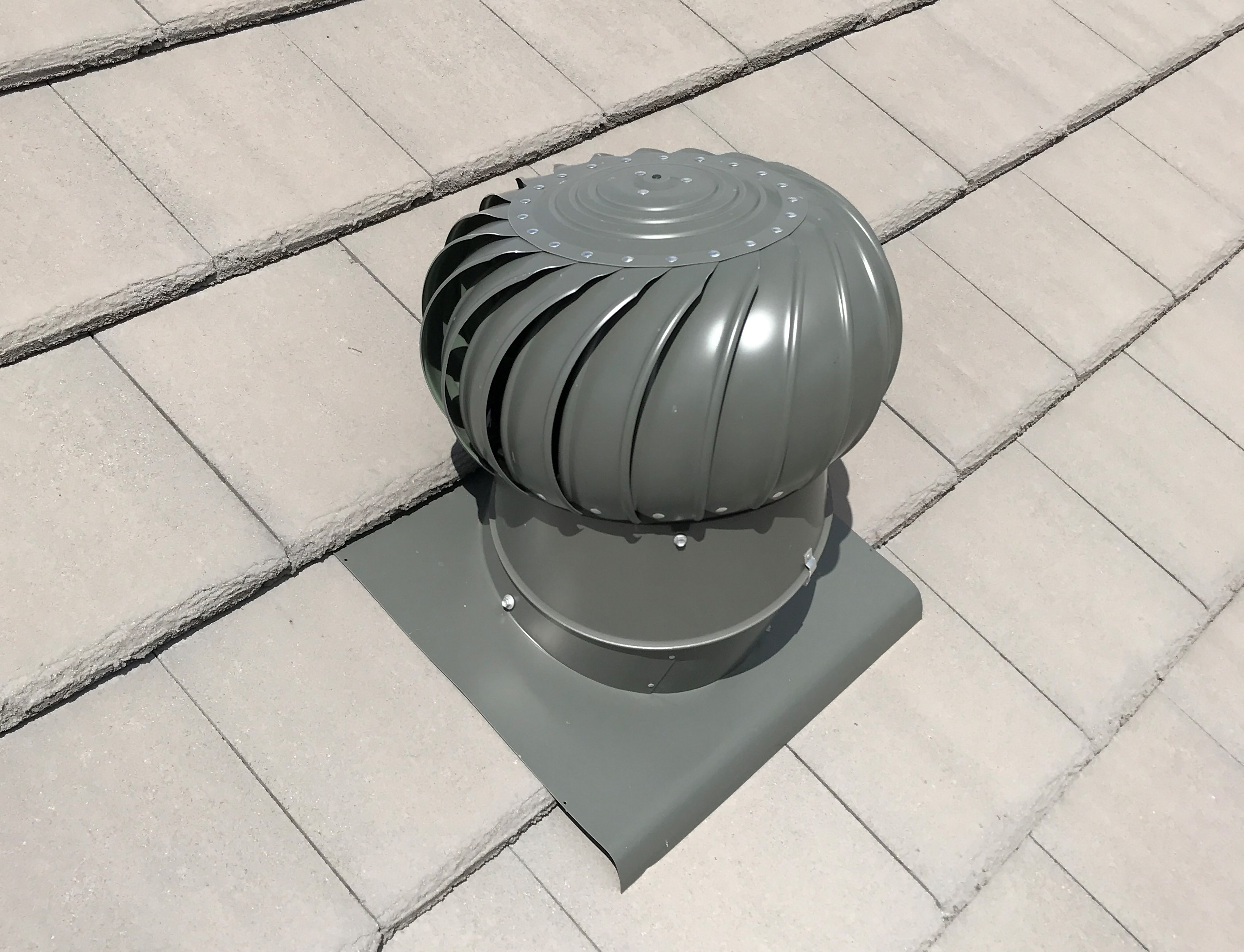 Whirlybird Roof Vents : Whirlybird eco solar vents roof